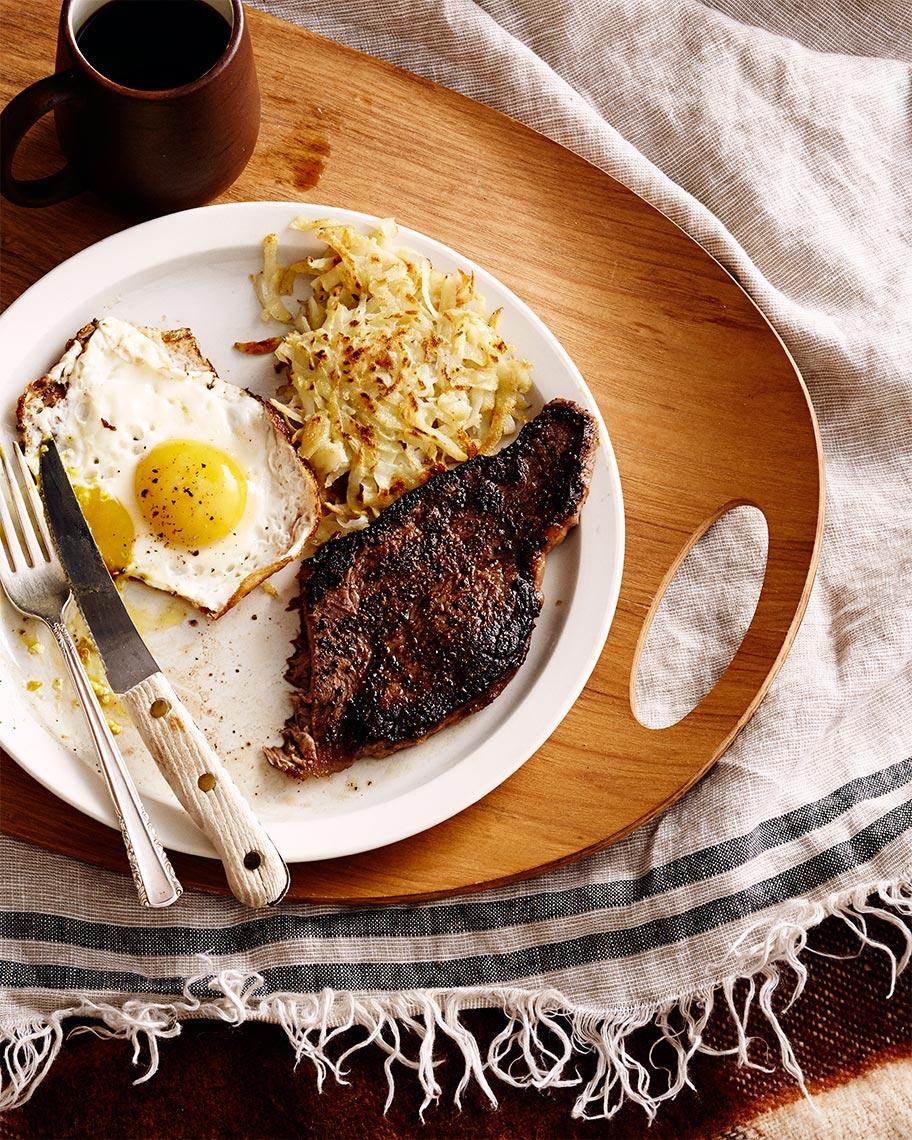 20131206_Martha_Food_steak-and-eggs_230_