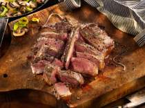 Porterhouse-Steak-Au-Poivre-with-Leeks-and-Mushrooms-web